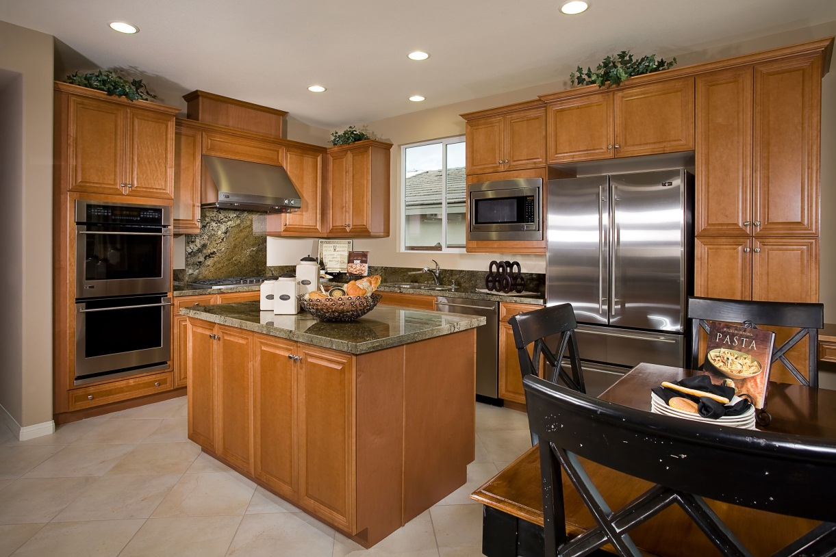 Kitchen remodeling contractors bend or ron webb remodeling for Kitchen remodeling companies